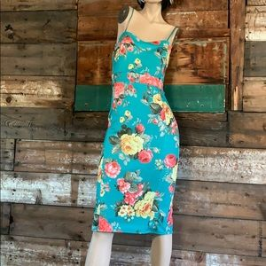 Dresses & Skirts - Floral pinup dress